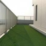 マンションバルコニーのリアル人工芝