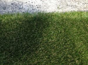バルコニーの人工芝