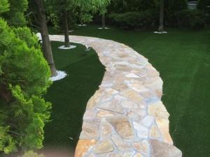 庭に使う人工芝のデメリット