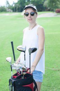 人工芝でゴルフ